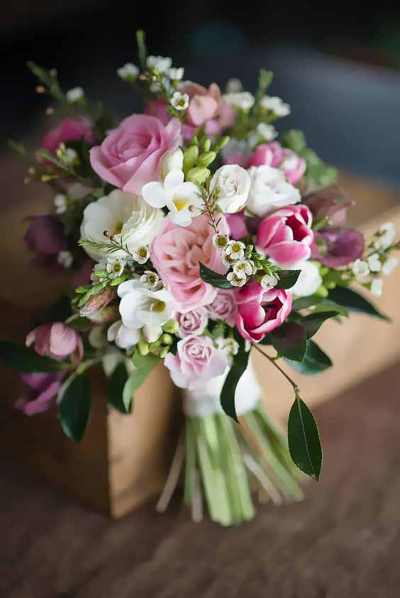 Dorset wedding florist rustic glamerous wedding bouquets for Bouquet de fleurs 2017
