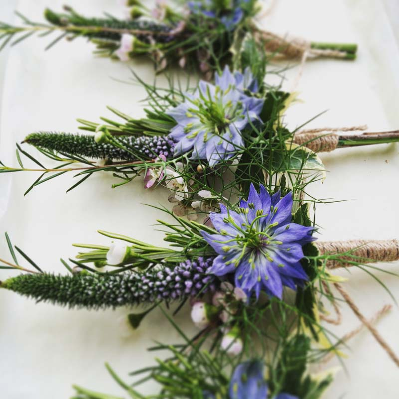awesome-rustic-button-holes-twine-nigella-veronica