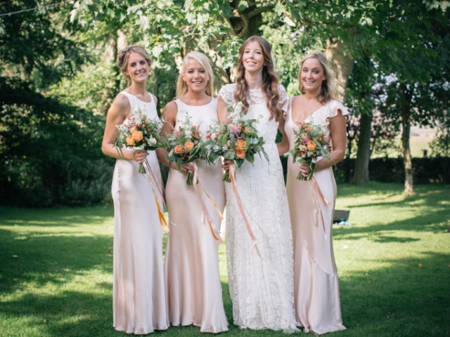 Summer wedding, kingston country court yard, brides bouquet, bridesmaids bouquet, rustic, garden flower