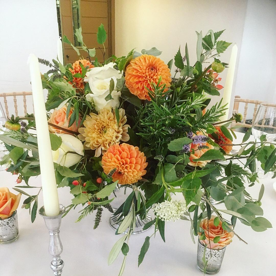 RUSTIC WILD SILVER URN TABLE CENTREPIECE PEACH ROSE ORANGE DAHLIA SILVER CANDLESTICK ITALIAN VILLA WEDDING