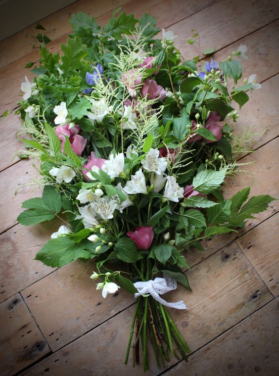 NATURAL FLOWERS FOLIAGE TIED SHEAF FUNERAL FLOWERS