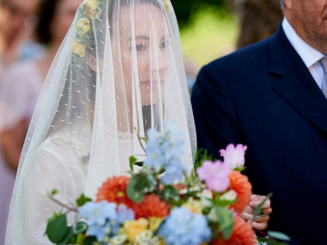 Bride, floral crown, veil, wedding dress, bridal bouquet, wedding flowers, wedding florist, dorset hampshire, wiltshire