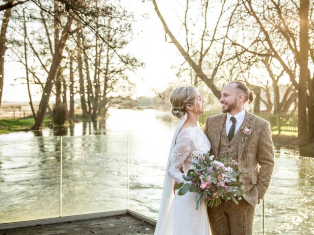 bride and groom winter wedding flowers florist bouquet dorset sopley mill